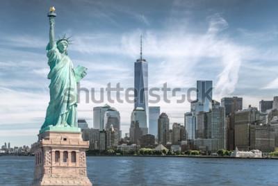 Cuadro La estatua de la libertad con el fondo del World Trade Center, Monumentos históricos de la ciudad de Nueva York