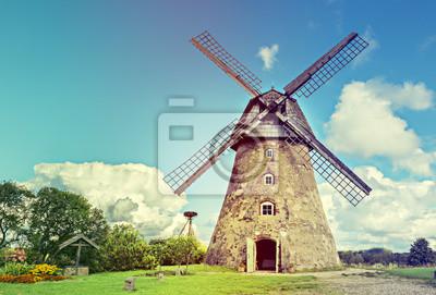 La imagen fue tomada en la región de Vidzeme de Letonia, donde la historia medieval reúne con maravillosos paisajes escénicos