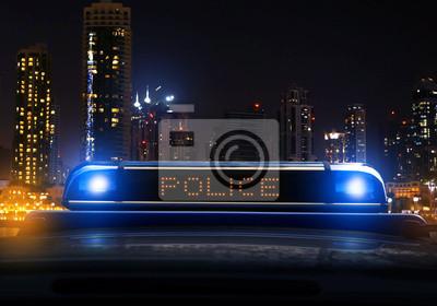 La policía en la noche