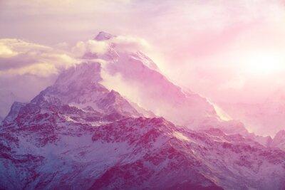 Cuadro la salida del sol en las montañas