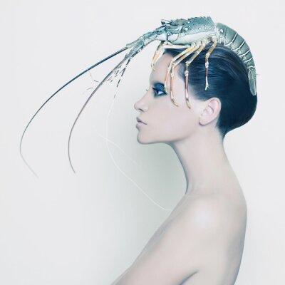Cuadro Lady surrealista con langosta en la cabeza