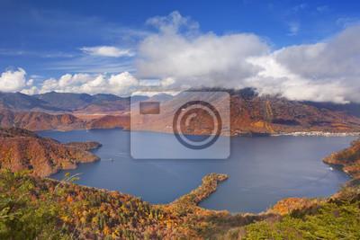 Lago Chuzenji, Japón en otoño de arriba
