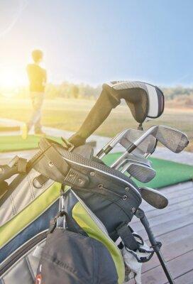 Cuadro los jóvenes la práctica del golf