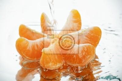 mandarina bajo el agua