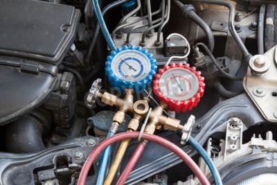 Cuadro Manómetro que se utiliza para medir la presión del aire acondicionado en el vehículo de automóviles.