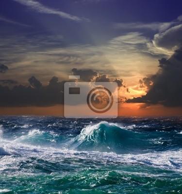 Mar en puesta del sol