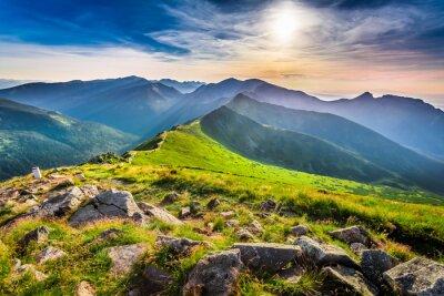 Cuadro Maravilloso atardecer en las montañas en verano