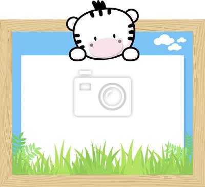 Marco de madera con lindo bebé cebra y tablero en blanco para ...