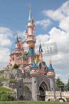 Cuadro MARNE-LA-VALLEE, FRANCE - July 1, 2011 - The Sleeping Beauty Castle at Disneyland Resort Paris.