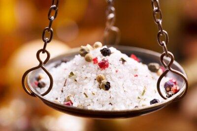Cuadro Mezcla de sal y pimienta en cuencos de la cosecha