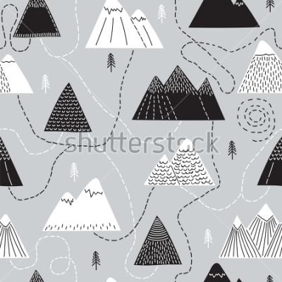 Cuadro Modelo dibujado a mano linda con los árboles y las montañas. Fondo escandinavo creativo del arbolado. Bosque Boceto de estilo Ilustración vectorial