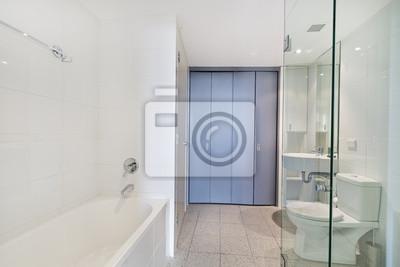 Moderno cuarto de baño en el apartamento de lujo pinturas para la ...