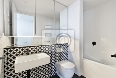 Cuadro: Moderno cuarto de baño en el apartamento de lujo