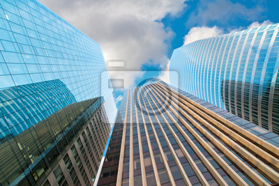 moderno edificio de gran altura. París. Defensa