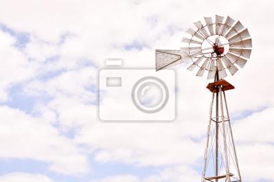 Molino de viento clásico de la vendimia