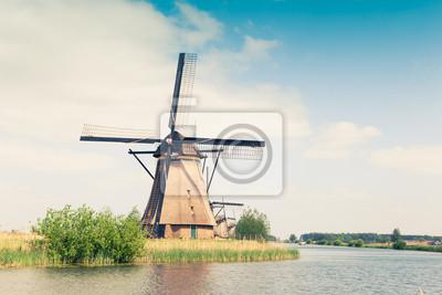 molino de viento tradicional en Países Bajos