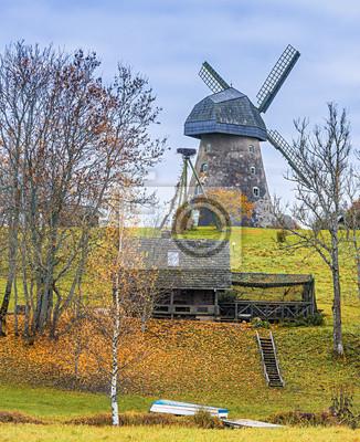 Molino medieval en condado de Cesis, Letonia