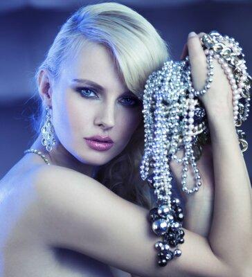 Cuadro Mujer fabuloso con el ramo de jewelary