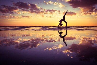Cuadro Mujer que practica yoga