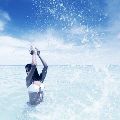 Cuadro Mujer que salpica en el mar