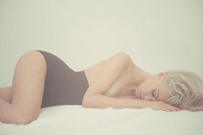 Cuadro Mujer sensual en la cama