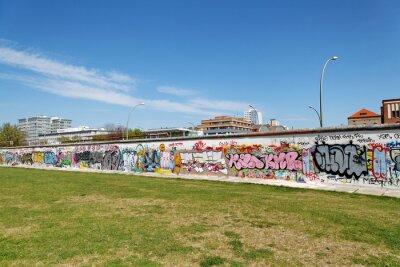 Cuadro Mur et pelouse verte. Berlín.