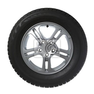 neumático de coche aislado