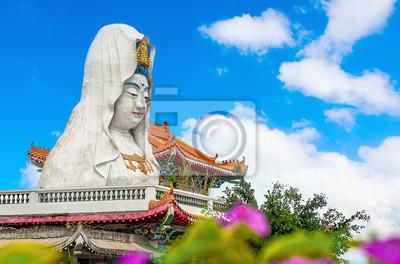 Ninguna estatua de Keh Lok Si templo en la isla de Penang, Malasia Noroeste, donde hay un importante communuty chino