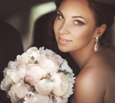 Cuadro Novia hermosa en día de la boda de vestido nupcial. mujer recién casada