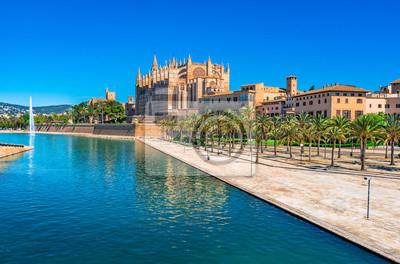 Palma de Mallorca con vistas a la Catedral La Seu