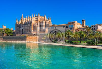 Palma de Mallorca Kathedrale La Seu y el Parque de la Mar