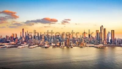 Cuadro Panorama aéreo de los rascacielos del centro de Manhattan en una tarde soleada