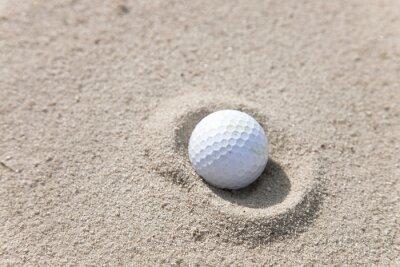 Cuadro Pelota de golf en la trampa de arena