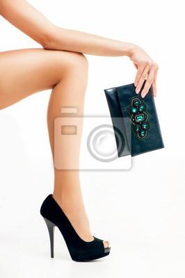 y en mujer pinturas de Pierna una altos la tacones mano de bolsa gqZn1Ox