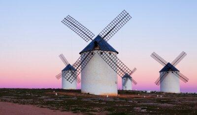 Cuadro Pocas Molinos de viento en el campo en la noche