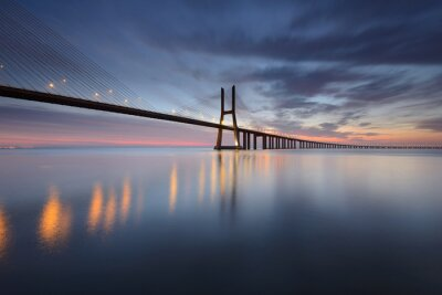 Cuadro Ponte Vasco da Gama sobre el Rio Tejo en Lisboa al Nascer do Sol