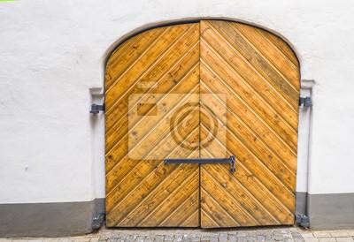 Puerta medieval, restaurado en la ciudad vieja de Riga - capital de Letonia