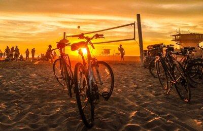 Cuadro puesta de sol de voleibol de playa en la playa de venecia