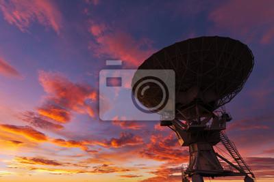 Radiotelescopio en el Sunset