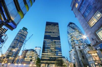Cuadro Rascacielos en la ciudad de Londres en la noche.