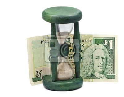 Reloj de arena y de billetes de banco como un símbolo de no perder el tiempo