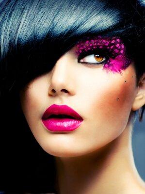 Cuadro Retrato Brunette Modelo de modas. Peinado