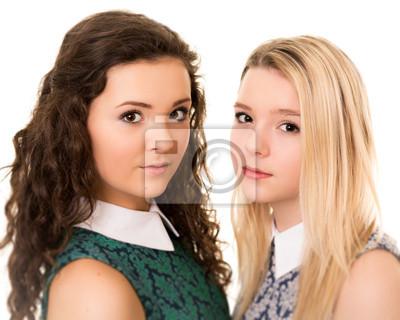Cuadro Retrato De Dos Muchachas Hermosas Hermanas Adolescentes Con Ojos