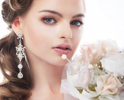 Cuadro Retrato de la novia hermosa joven aislado en fondo blanco