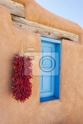 Ristra Chile en pared de adobe