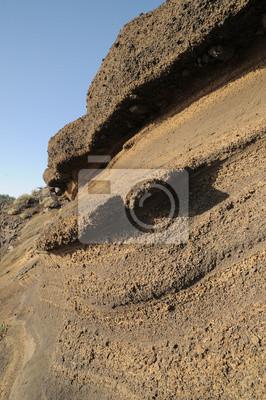 Rocas volcánicas cerca de la antigua volcán Teide en Tenerife, España