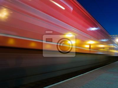 rojo desenfoque tren a toda velocidad
