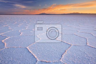 Salar Salar de Uyuni en Bolivia al amanecer