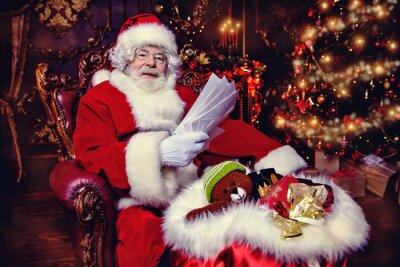 Santa reads letters