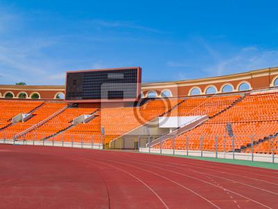 Tablero de la cuenta vacía y pista de carreras en el estadio